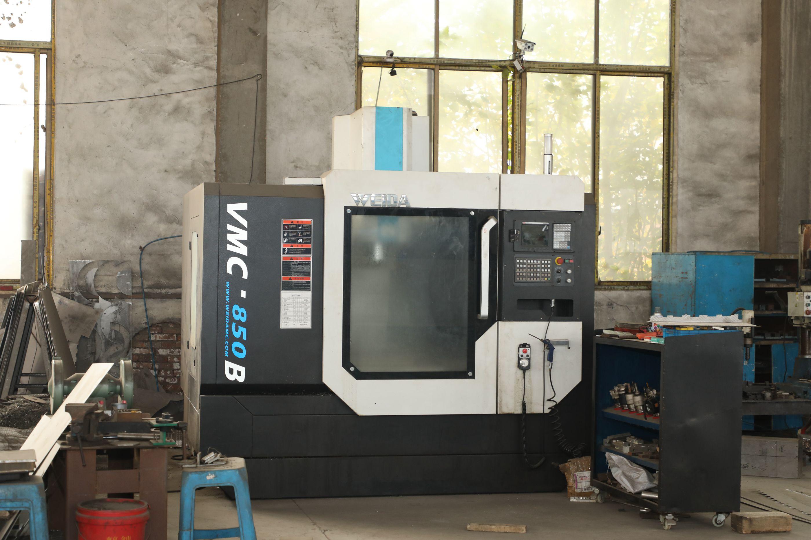 車間設備CNC加工中心照片02——單擊圖片放大