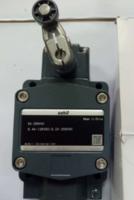山武1LS71-JSW2-P021限位开关相关资料,详解