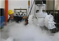 在深冷過程中,由于零件各部分的溫度差或由于不同組織間某些物理性能的差異,引起收縮不均,就產生了溫度應力,當應力低于材料的彈性極限時,就僅使零件產生可逆性的彈性扭曲。當某一部分的溫度應力超過了材料的屈服相限時,零件將發生不可逆轉的扭曲變形。  實踐證明,無論那種原因引起的變形,其對零部件結構形式是非常敏感的,因此對低溫閥門要十分注意結構形式的選擇和設計。